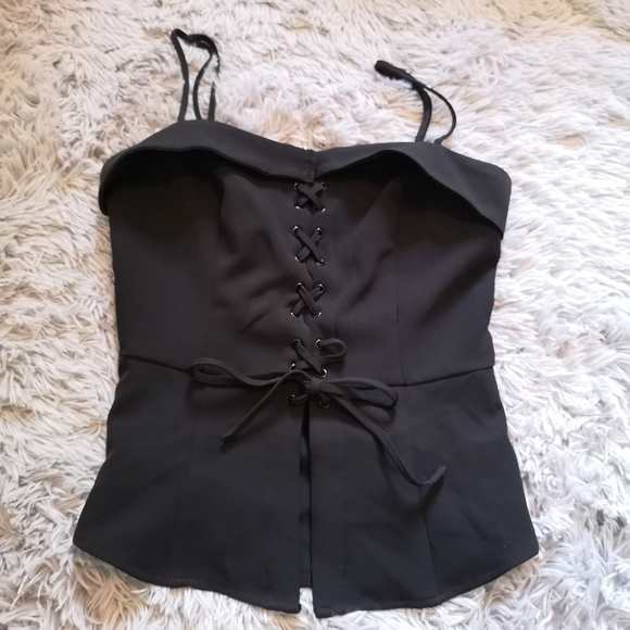 ⭐2/$15⭐ lace-up corset style tie top
